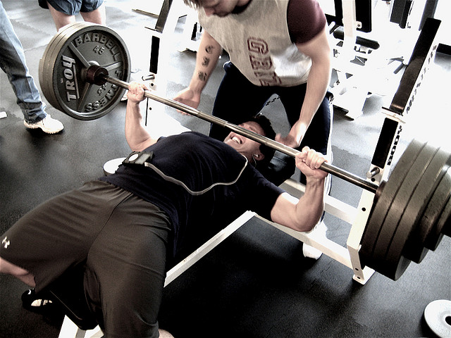 male bench press - UP