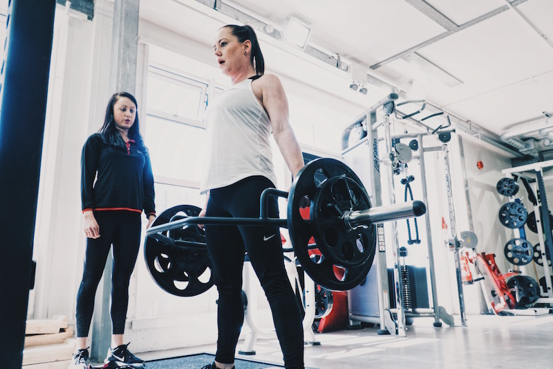 Sarah 22 Week transformation deadlift