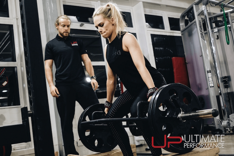 Training deadlift women